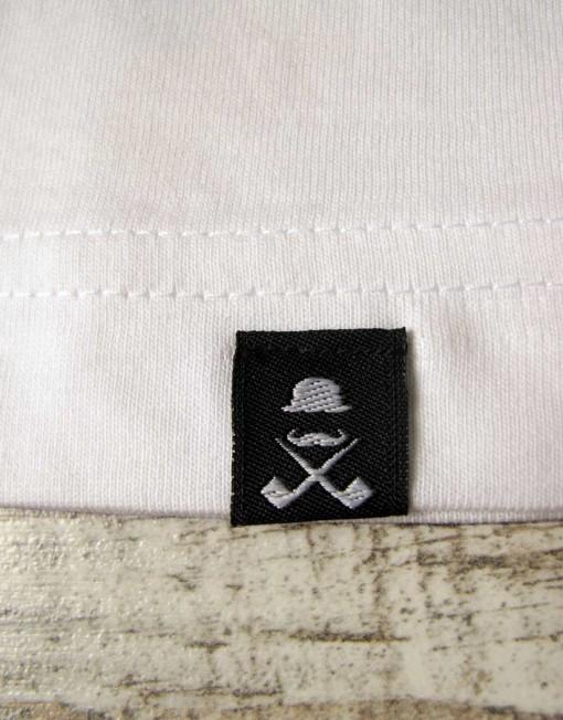 camiseta_hombre_blanca_etiqueta